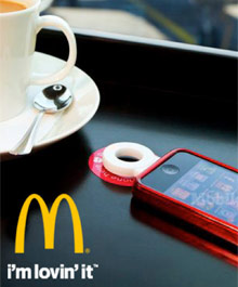 2013-04-05-mlove-mobile-trend-Mcdonald's-tables-for-wireless-recharging