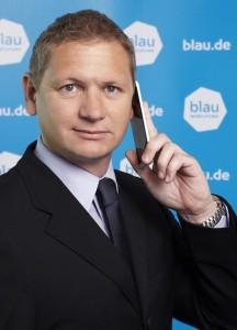 holger-feistel_mitSmartphone