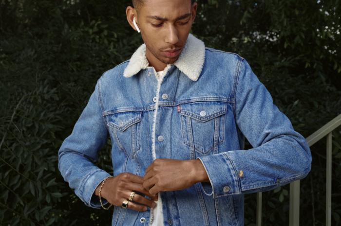 Smarte Jeansjacke von Levi's und Google.